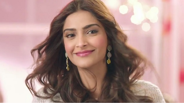 What Sonam Kapoor said which inspired young girls about their beauty? Read Here
